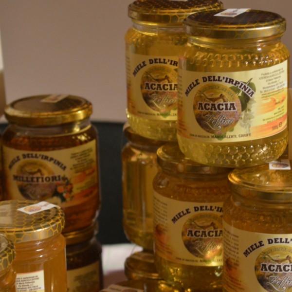miele d'acacia, miele, miele italiano, apicoltura zeffiro, propoli, pappa reale, polline, ciokomiele
